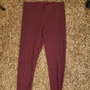Maroon patterned leggings